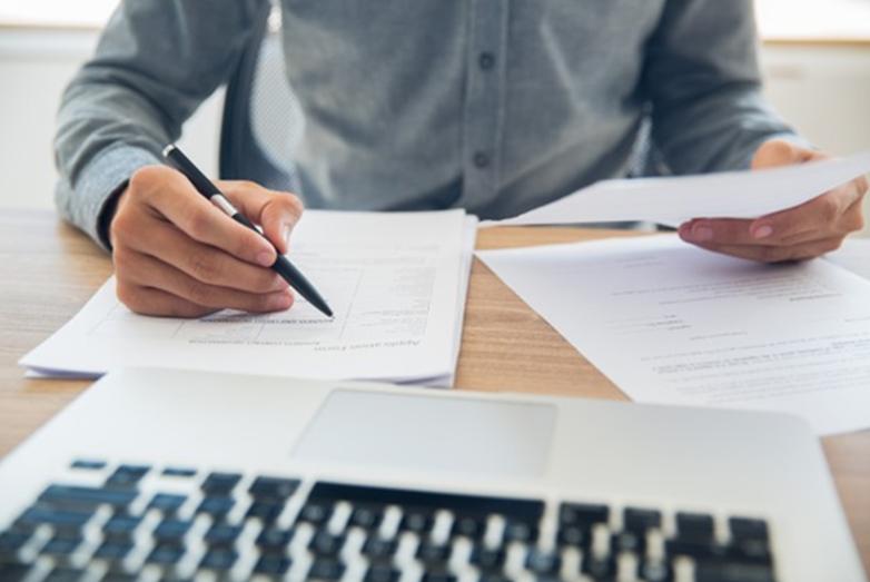 ¿Qué información debes incluir en las facturas que tramitas por tu blog?
